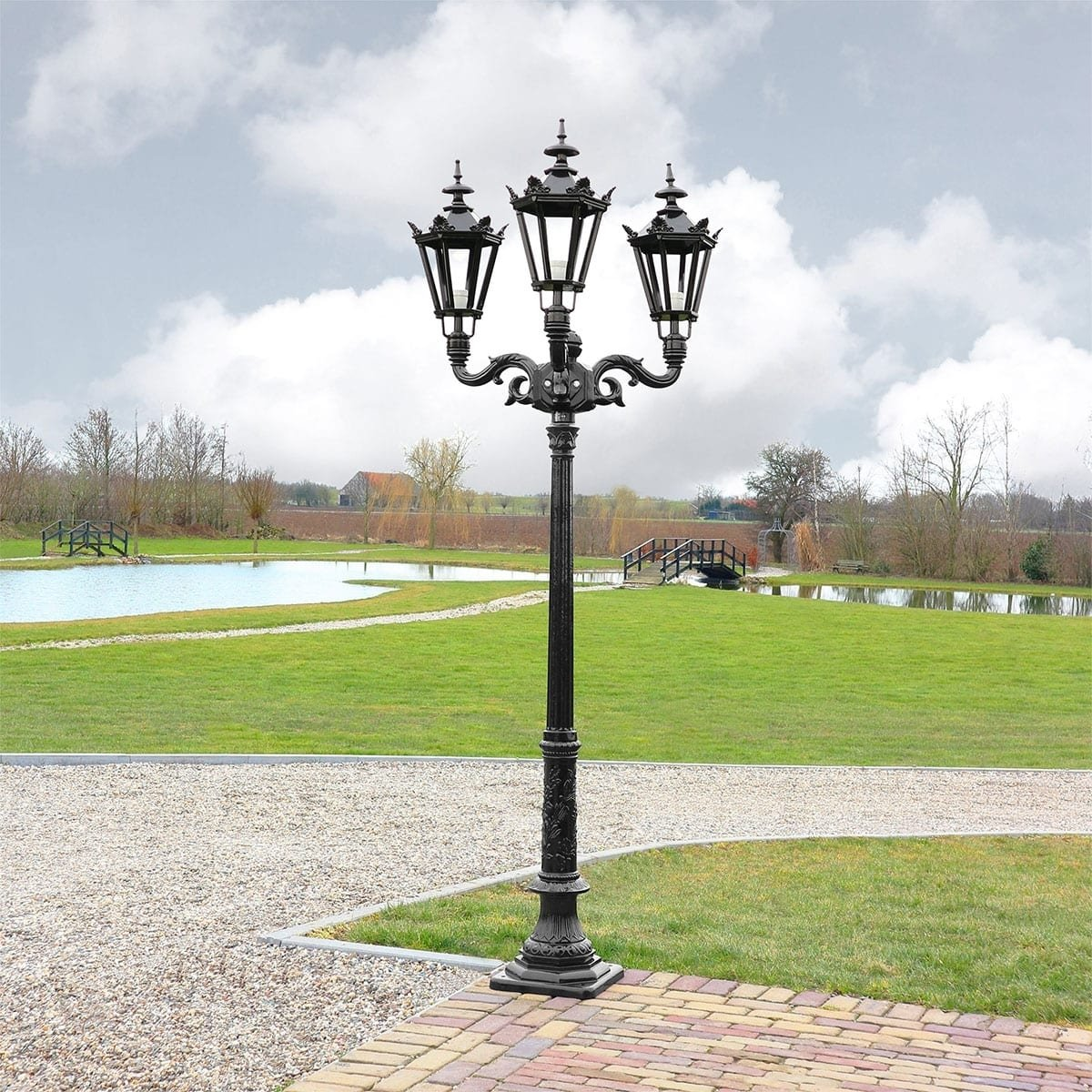 Outdoor Lighting Classic Rural Crown Lantern Eyserheide 3-lamps - 253 cmOutdoor Lighting Classic Rural Crown Lantern Eyserheide 3-lamps - 253 cm